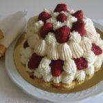 Клубничный торт «Павлова» из безе