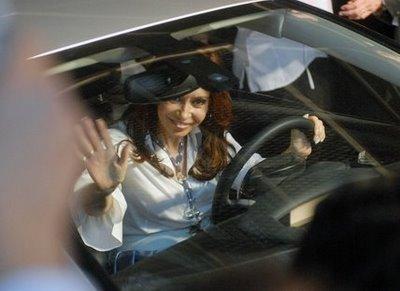 cristina-al-volante