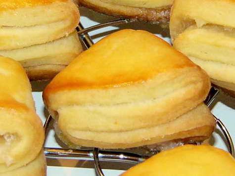 приготовить печенье из творога и сметаны