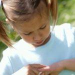Опасны ли укусы комаров для детей?
